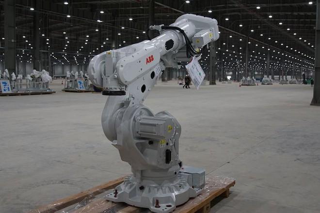Báo Đức mở bán loạt ảnh độc nội khu nhà máy VinFast - Ảnh 9.