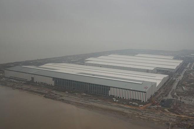 Báo Đức mở bán loạt ảnh độc nội khu nhà máy VinFast - Ảnh 4.