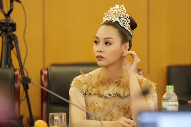 Hoa hậu biển 2016 Thùy Trang âm thầm kết hôn và sinh con ngay khi chưa hết nhiệm kỳ - Ảnh 1.