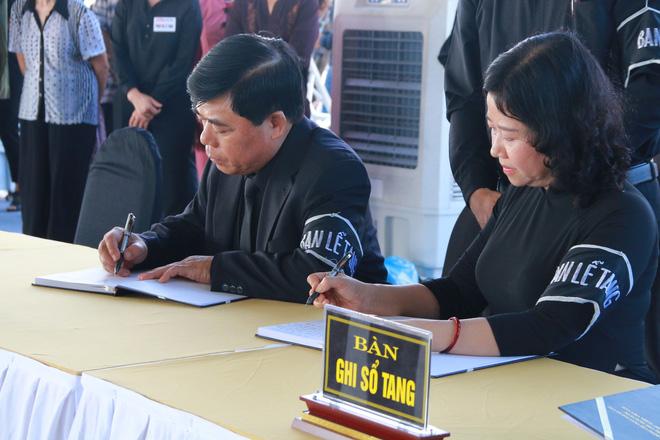 Hình ảnh lễ viếng Chủ tịch nước Trần Đại Quang tại quê nhà - Ảnh 6.