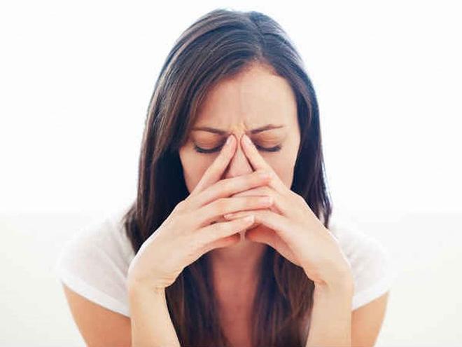 7 lý do gây nên tình trạng chảy nước mắt không thể tự kiềm chế - Ảnh 2.