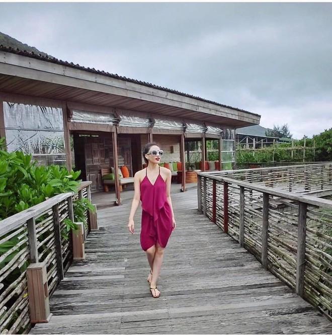 Ngắm loạt ảnh mới ở Thái Lan mới thấy cựu hot girl Meo Meo ngày càng sexy lạ: Nhuộm da nâu, môi dày quyến rũ như mẫu Tây - Ảnh 8.