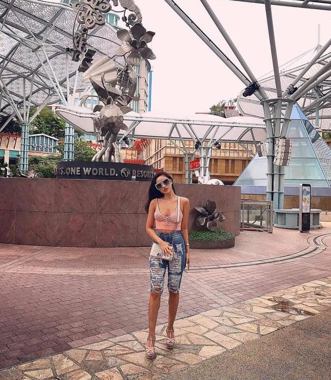 Ngắm loạt ảnh mới ở Thái Lan mới thấy cựu hot girl Meo Meo ngày càng sexy lạ: Nhuộm da nâu, môi dày quyến rũ như mẫu Tây - Ảnh 9.