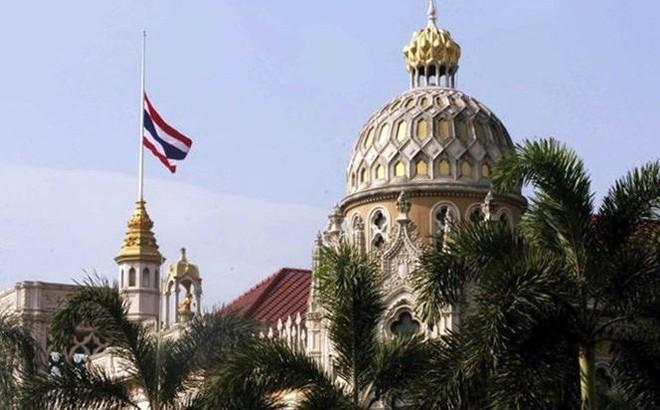 Tất cả công sở Thái Lan treo cờ rủ tưởng niệm Chủ tịch Trần Đại Quang