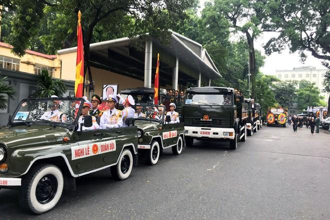 Loại xe hoàn toàn mới xuất hiện trong đoàn xe chở linh cữu Chủ tịch nước Trần Đại Quang - Ảnh 5.
