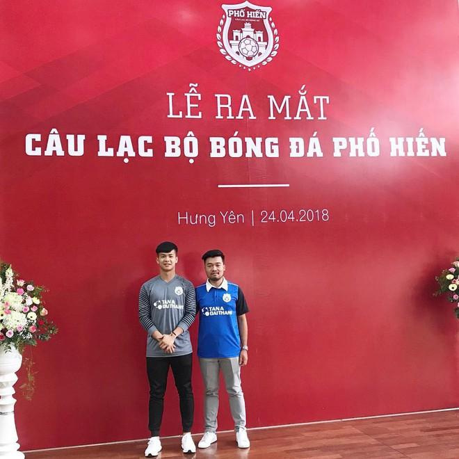 Chàng thủ môn của U19 Việt Nam điển trai, tài năng không kém Bùi Tiến Dũng - Ảnh 14.