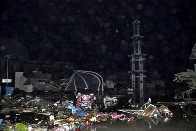 Ảnh: Indonesia tan hoang sau thảm họa động đất, sóng thần - Ảnh 2.