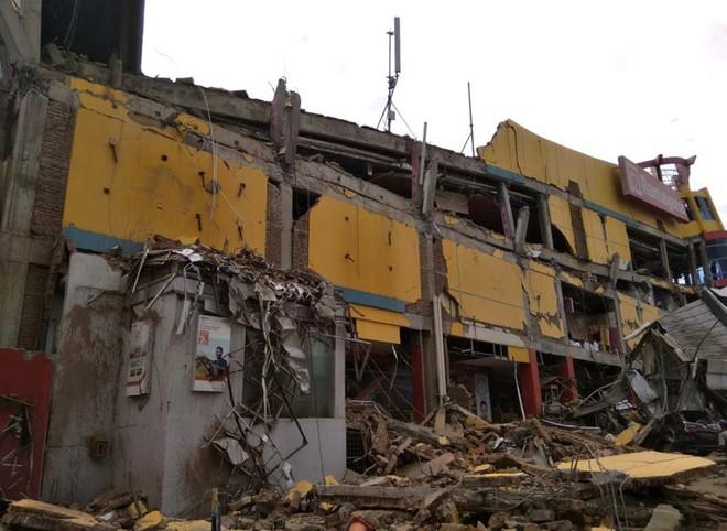 Ảnh: Indonesia tan hoang sau thảm họa động đất, sóng thần - Ảnh 3.