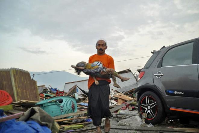 Ảnh: Indonesia tan hoang sau thảm họa động đất, sóng thần - Ảnh 4.