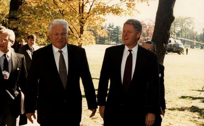 Cựu Tổng thống Nga Yeltsin tiết lộ với người đồng cấp Bill Clinton về việc chọn ông Putin
