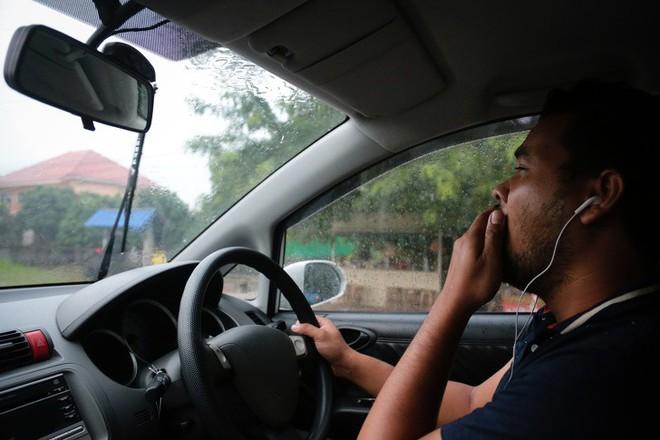 8 việc không nên làm khi đặt chân lên xe ô tô: Điều thứ 3 các bà vợ hay mắc nhất! - Ảnh 2.