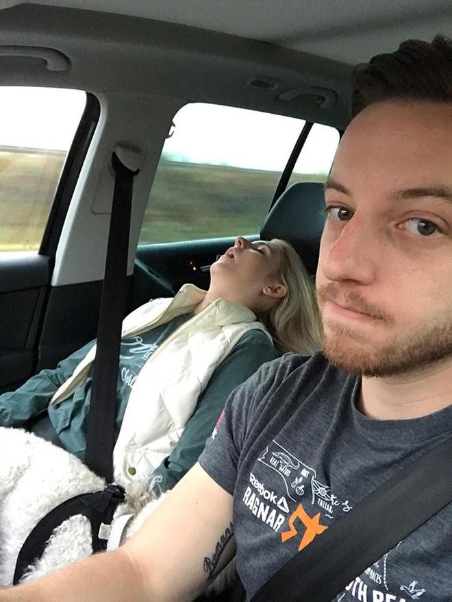 8 việc không nên làm khi đặt chân lên xe ô tô: Điều thứ 3 các bà vợ hay mắc nhất! - Ảnh 4.
