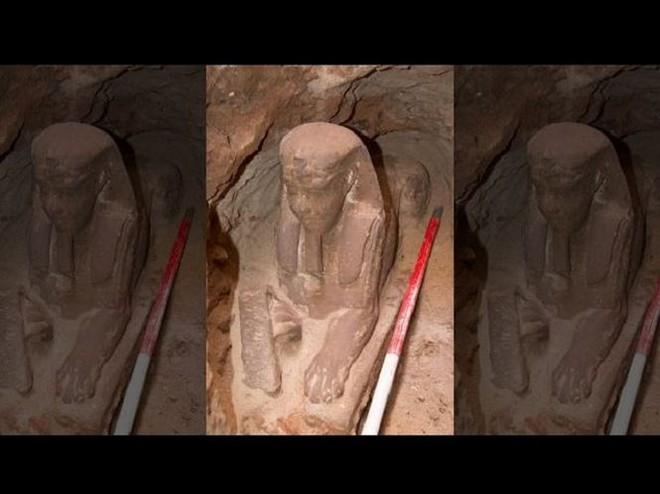 Tượng nhân sư tuyệt đẹp được phát hiện tại ngôi đền Ai Cập cổ đại - Ảnh 1.