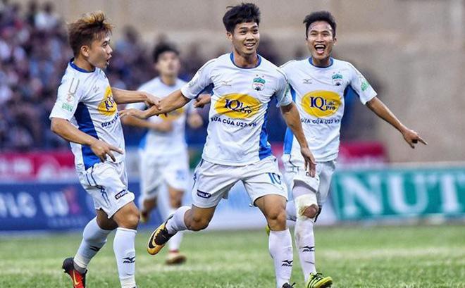 Công Phượng bị treo giò, lỡ cơ hội đua vua phá lưới V-League