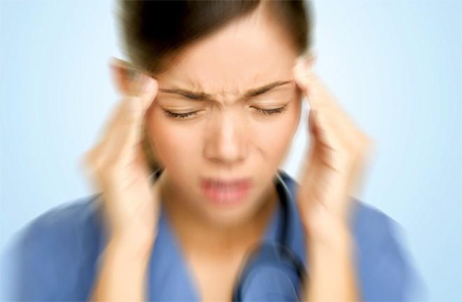 5 dấu hiệu của thiếu máu não: Dễ nhầm với bệnh khác nên nhiều người tử vong trong tích tắc - Ảnh 2.