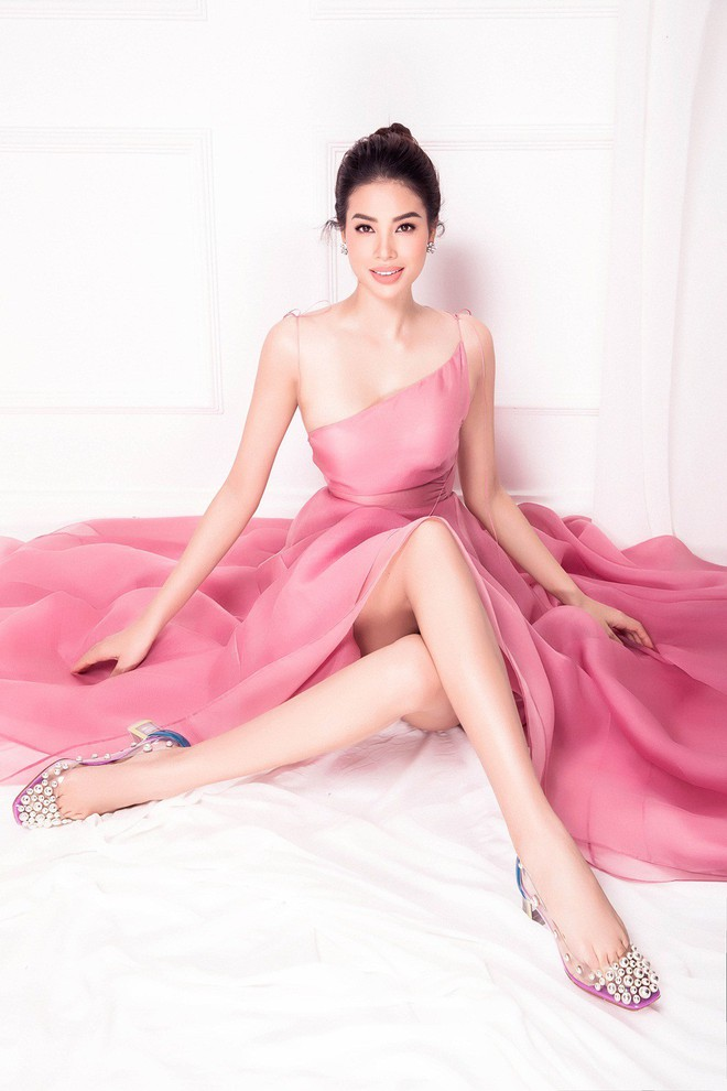 Hoa hậu Phạm Hương âm thầm sang Mỹ điều trị bệnh - Ảnh 1.