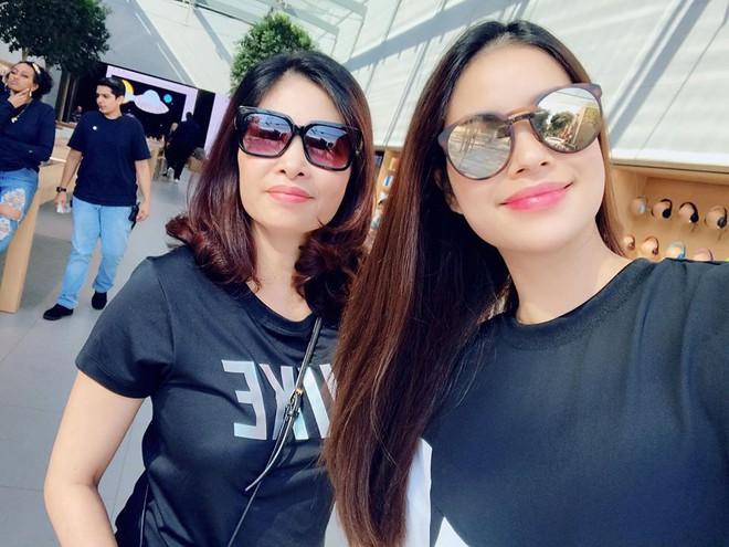 Hoa hậu Phạm Hương âm thầm sang Mỹ điều trị bệnh - Ảnh 2.