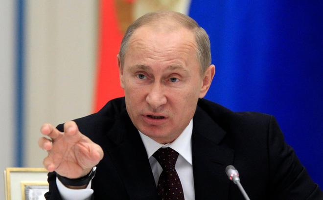 """Cựu TT Pháp: Ông Putin từng đe dọa """"nghiền nát"""" quân đội Ukraine vì quá tức giận ông Poroshenko"""