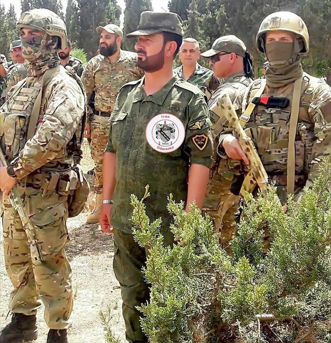 NÓNG: Sát thủ khiến phiến quân Syria lạnh gáy đã tới Idlib - Chờ lệnh nổ súng - Ảnh 1.