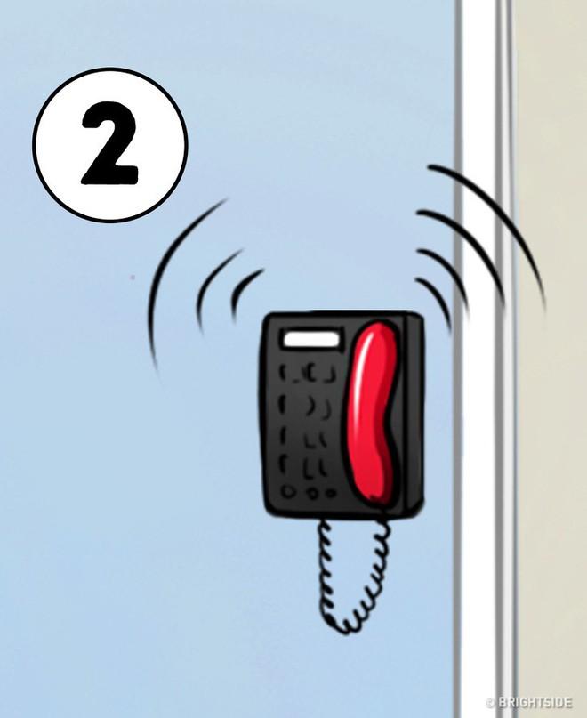 Nước sôi, con khóc, có điện thoại, cún gặm gối: Bạn xử lý số mấy trước, bí mật sẽ mở ra - Ảnh 2.