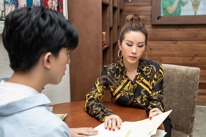 Hoa hậu Thu Hoài khoe vẻ gợi cảm hết cỡ khi sánh đôi cùng bạn trai doanh nhân - Ảnh 7.