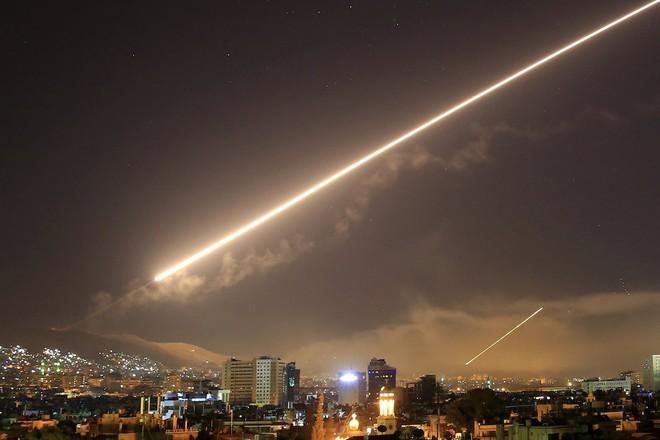 Nếu Mỹ và đồng minh tấn công Syria: Thiên la, địa võng và giấy báo tử đã sẵn sàng? - Ảnh 3.