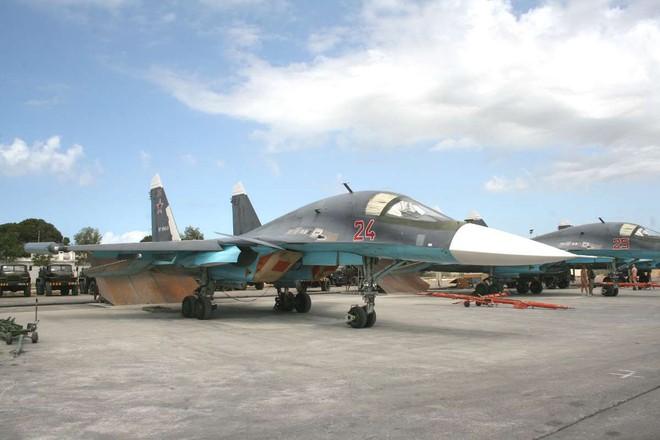 Su-34, Su-35 Nga đã dùng vũ khí nào phá nát xưởng UAV và tên lửa của phiến quân ở Idlib? - Ảnh 5.