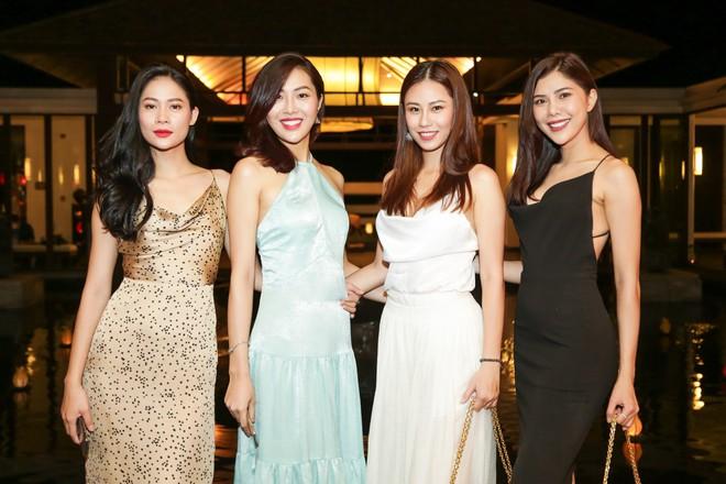 Vợ MC Bình Minh được khen trẻ, đẹp khi đọ sắc với Trương Ngọc Ánh - Ảnh 7.