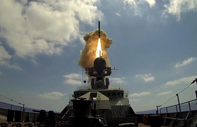 Tiêm kích Su-30SM Nga ồ ạt tới Khmeimim: Sân chơi Syria đã kết thúc với Mỹ-NATO? - Ảnh 2.