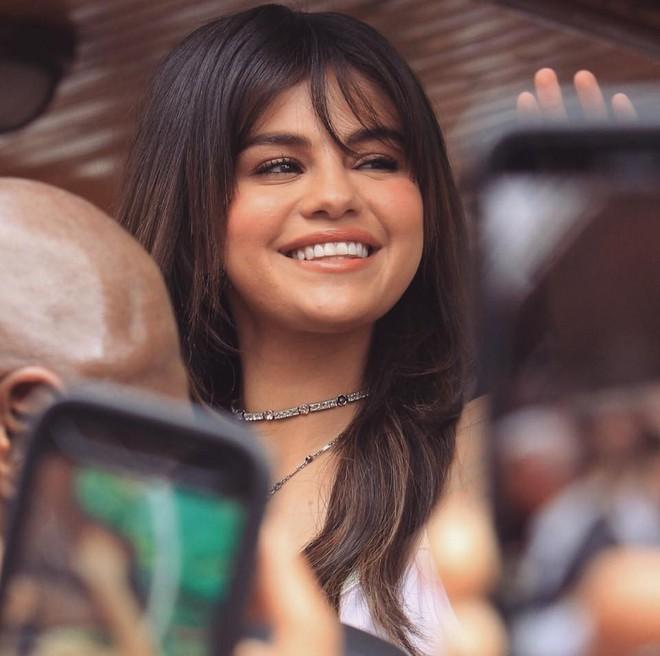 Loạt ảnh xinh ngất ngây của Selena Gomez chứng minh: Con gái đẹp nhất khi không thuộc về ai cả! - Ảnh 8.
