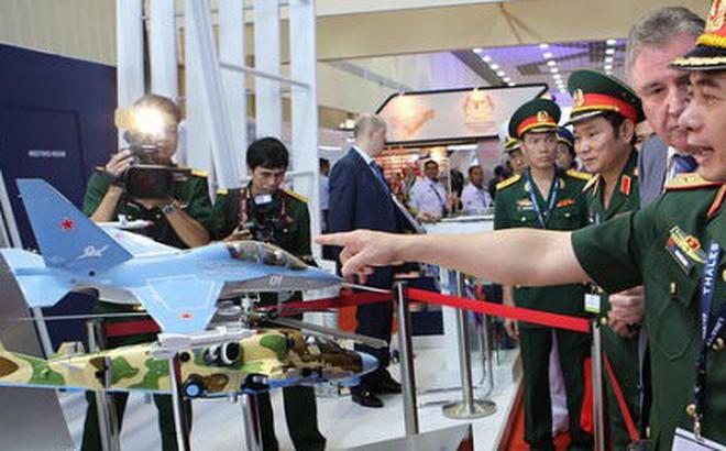TASS: Việt Nam đặt hàng vũ khí trị giá 1 tỷ USD từ Nga