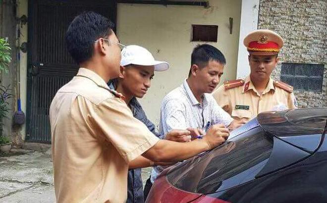 Cảnh sát đến tận nhà đưa tài xế Mazda 3 đánh võng về trụ sở