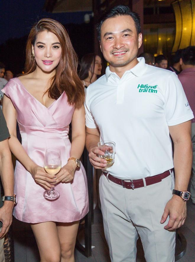 Vợ MC Bình Minh được khen trẻ, đẹp khi đọ sắc với Trương Ngọc Ánh - Ảnh 3.