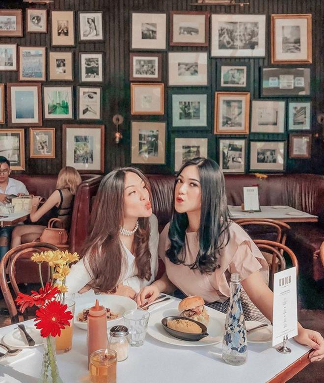 Cuộc sống sang chảnh của cặp bạn thân blogger xinh đẹp, nổi tiếng hàng đầu Indonesia - Ảnh 4.