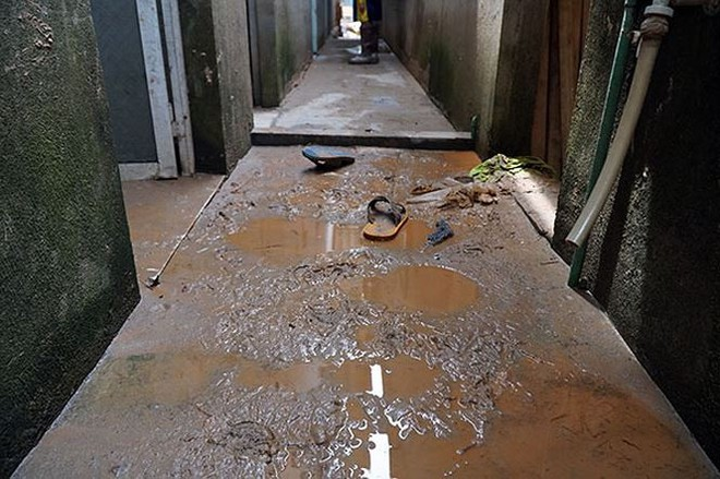 Cận cảnh 33 nhà dân bị lũ bùn thải quặng nhấn chìm ở Lào Cai - Ảnh 5.