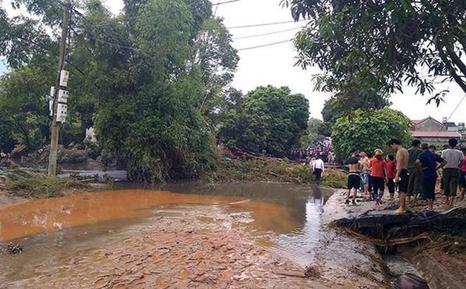 Cận cảnh 33 nhà dân bị lũ bùn thải quặng nhấn chìm ở Lào Cai