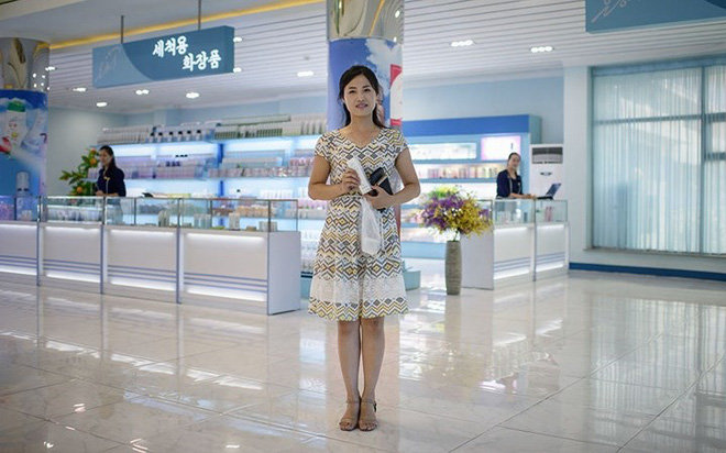 Ảnh: Phụ nữ Triều Tiên đầy mạnh mẽ, hiện đại và quyến rũ - Ảnh 4.