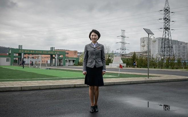 Ảnh: Phụ nữ Triều Tiên đầy mạnh mẽ, hiện đại và quyến rũ - Ảnh 5.