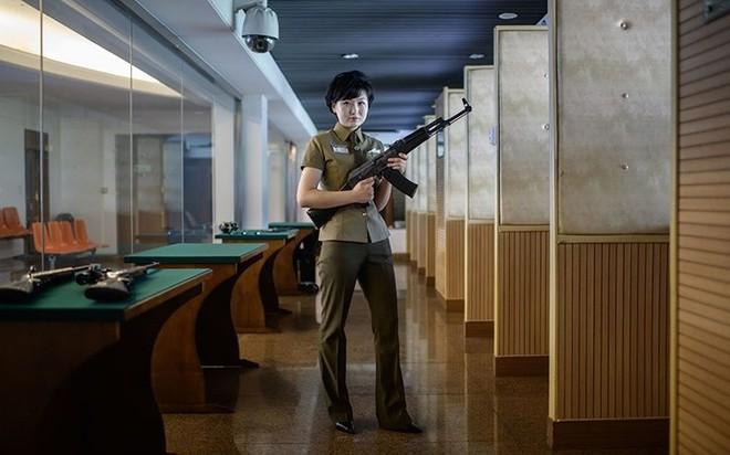 Ảnh: Phụ nữ Triều Tiên đầy mạnh mẽ, hiện đại và quyến rũ - Ảnh 6.
