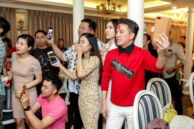 Sự kiện vỡ trận vì Mr Đàm nổi loạn, đòi xem U23 trên du thuyền triệu đô - Ảnh 8.