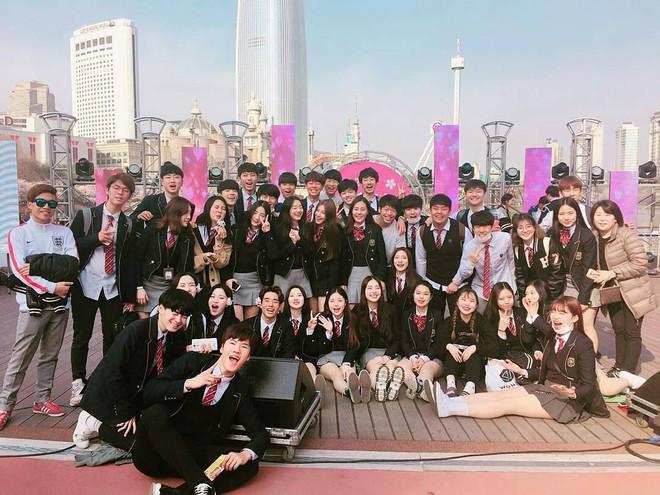 Đây là lò đào tạo idol có nhiều nữ sinh xinh đẹp nhất Hàn Quốc - Ảnh 2.