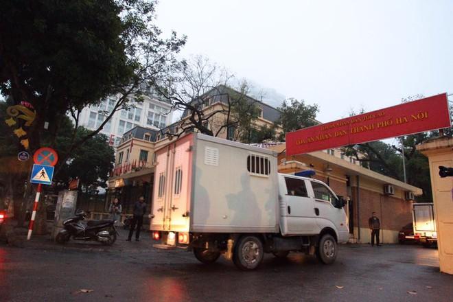 Xét xử ông Đinh La Thăng, Trịnh Xuân Thanh và đồng phạm: Cáo trạng cho rằng Trịnh Xuân Thanh quanh co, cản trở điều tra - Ảnh 19.