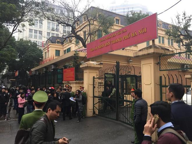 Xét xử ông Đinh La Thăng, Trịnh Xuân Thanh và đồng phạm: Cáo trạng cho rằng Trịnh Xuân Thanh quanh co, cản trở điều tra - Ảnh 16.