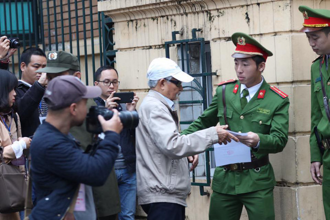 Xét xử ông Đinh La Thăng, Trịnh Xuân Thanh và đồng phạm: Cáo trạng cho rằng Trịnh Xuân Thanh quanh co, cản trở điều tra - Ảnh 17.