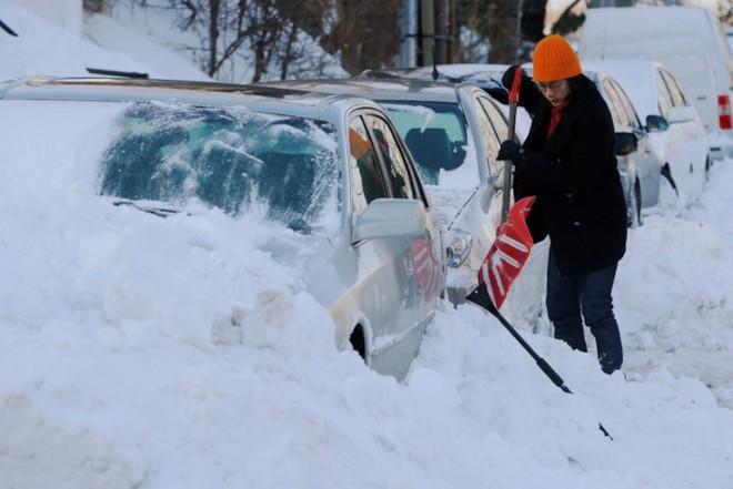 Bom bão tuyết khiến Mỹ lạnh thứ hai hành tinh, mùa đông ở Bắc Cực chưa là gì! - Ảnh 4.