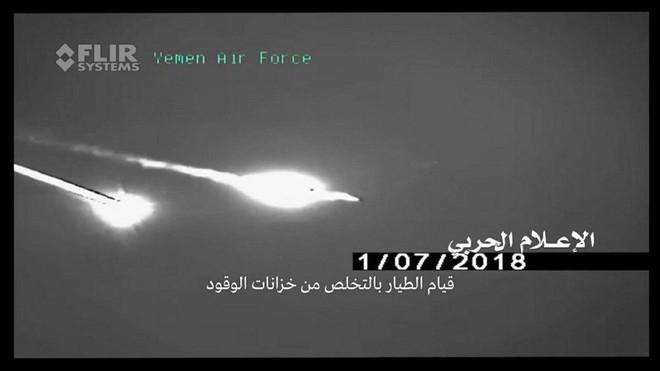 Houthi công bố khoảnh khắc tên lửa biến cả F-15 và Tornado thành bó đuốc: Không lối thoát - Ảnh 2.