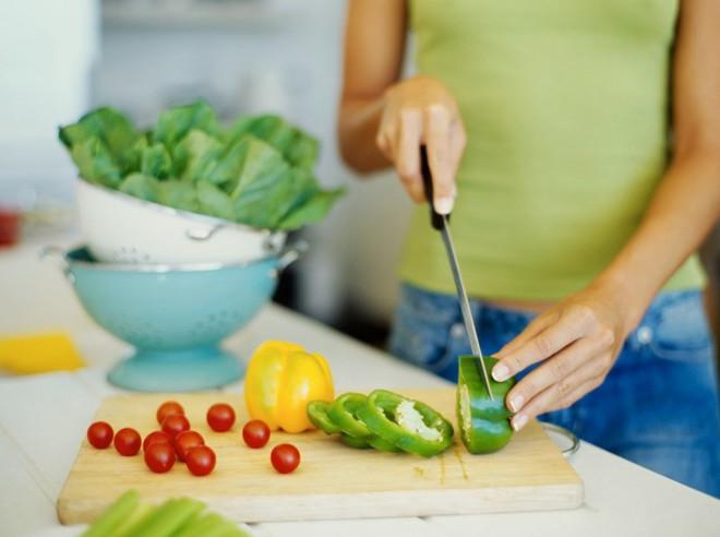 Sai lầm thường gặp trong nấu ăn khiến thực phẩm mất chất ai cũng cần biết để tránh ngay - Ảnh 2.