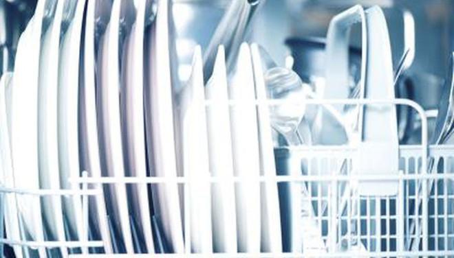 Vi khuẩn chết người có thể lẩn khuất trong những chiếc máy rửa bát, và đây là cách để phòng tránh - Ảnh 1.