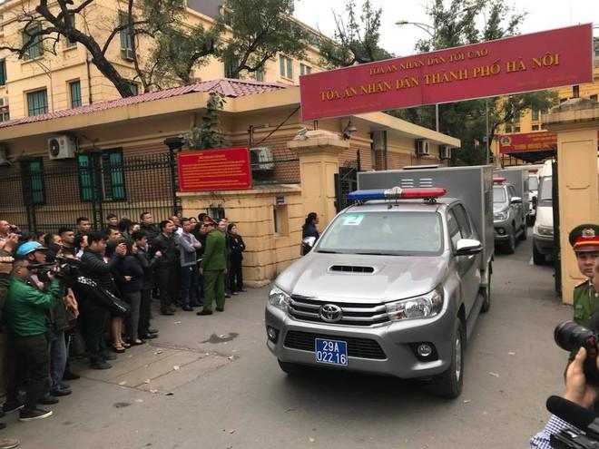 Ông Đinh La Thăng bị tuyên 13 năm tù, Trịnh Xuân Thanh chung thân - Ảnh 12.