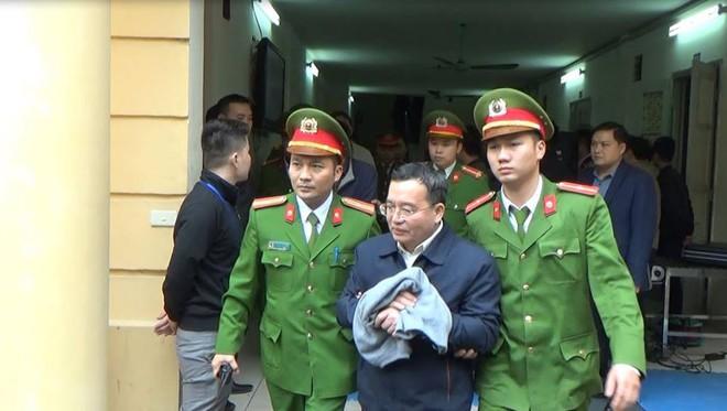 Ông Đinh La Thăng bị tuyên 13 năm tù, Trịnh Xuân Thanh chung thân - Ảnh 7.